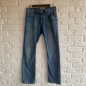 Wrangler 30x32 Straight Fit Flex Distressed Jeans